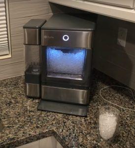 Running Portable Ice Maker